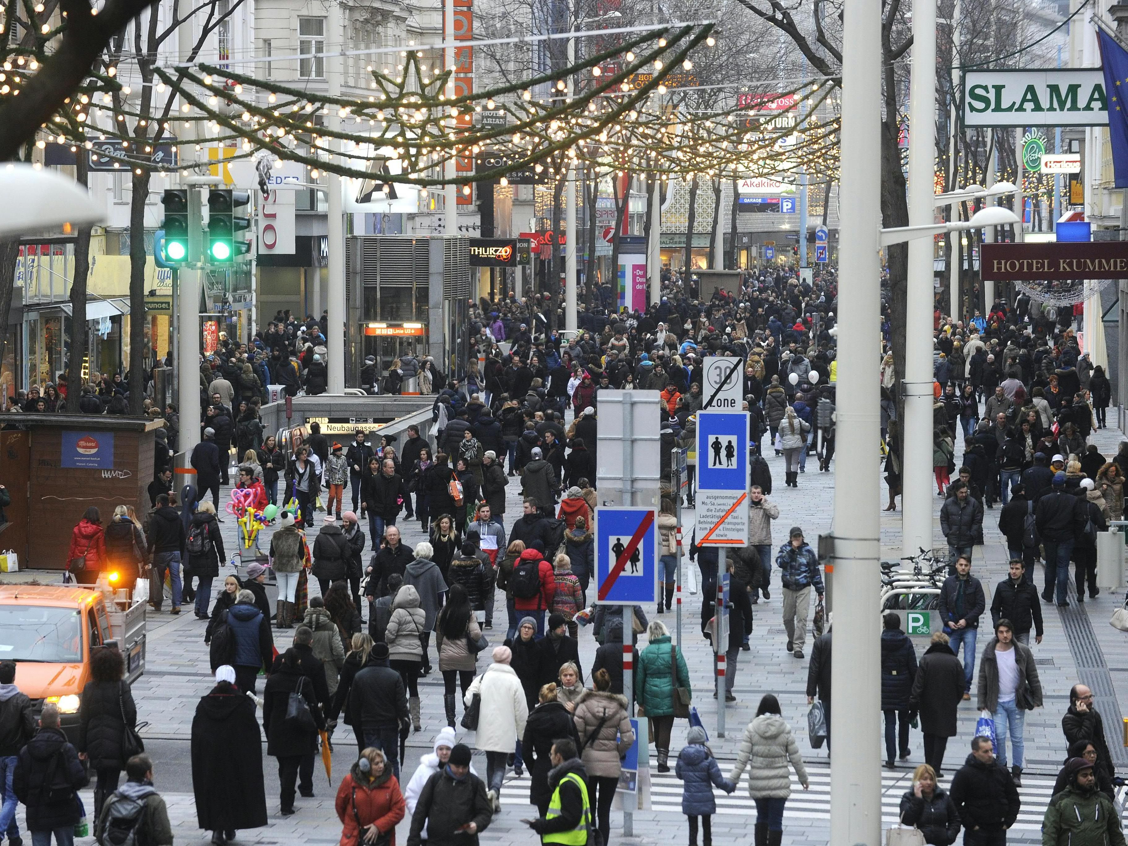 Vor allem auf der Mariahilfer Straße waren am Samstag die Menschenmassen unterwegs.