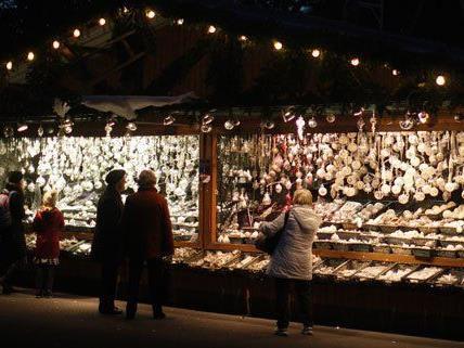 Im Schloss Neugebäude findet von 4. bis 8. Dezember ein Adventmarkt statt.