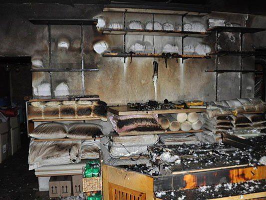 Verheerendes Bild nach dem Brand in dem geschäft in Mariahilf