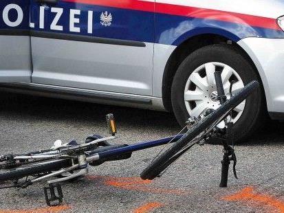 Eine Radfahrerin hatte in Landstraße einen Unfall mit einem Bus
