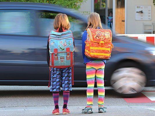 Kind auf Schulweg von Radfahrer erfasst
