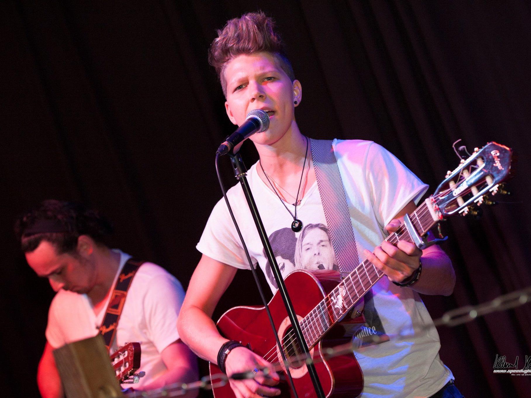 Am 17. Dezember tritt Virginia Ernst im Wiener Hard Rock Cafe auf.