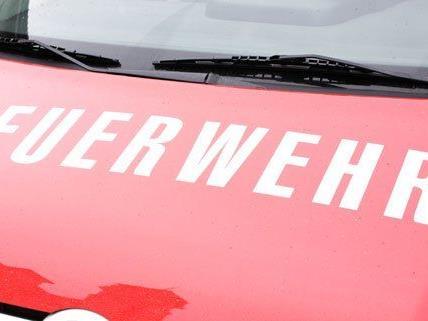 Die Feuerwehr ist in Wien-Favoriten im Einsatz.