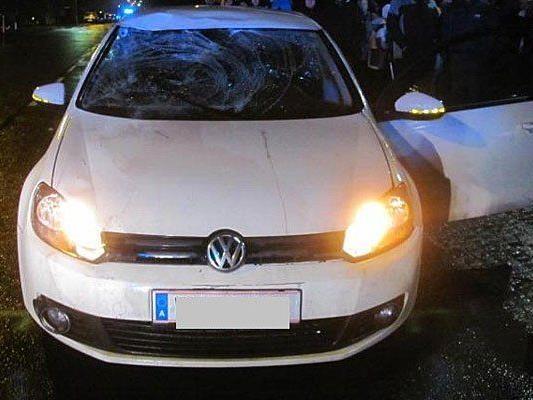 Mit diesem Pkw wurde der Polizist angefahren und schwer verletzt.