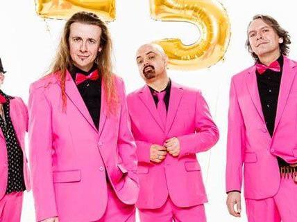 Die deutsche Kultband J.B.O. spielt am 19. Dezember live in Wien.