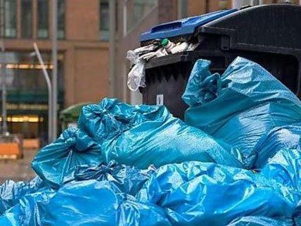 Über die Weihnachtsfeiertage kommt in Wien viel Müll zusammen.