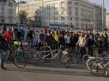 2014 nahmen 60 Personen am Neujahrsradeln in Wien teil.