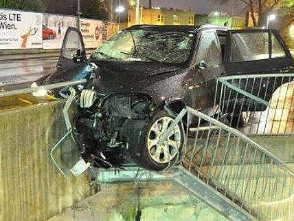 Schwerer Verkehrsunfall in Wien-Döbling.
