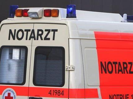 Eine Frau wurde bei Abladearbeiten schwer verletzt.