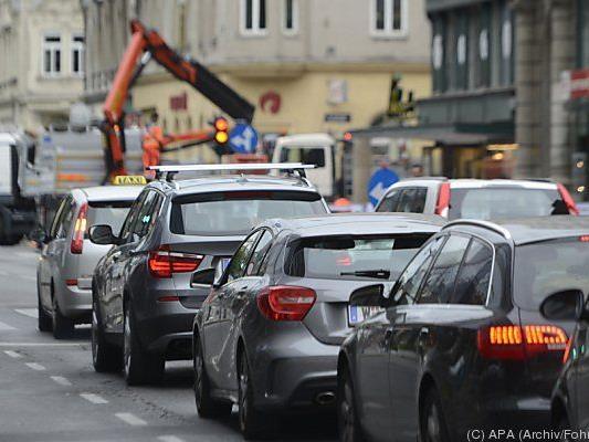 Zahl der Autos seit 1972 mehr als verdoppelt