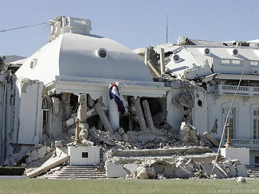 Bis zu 316.000 Menschen starben bei dem Erdbeben