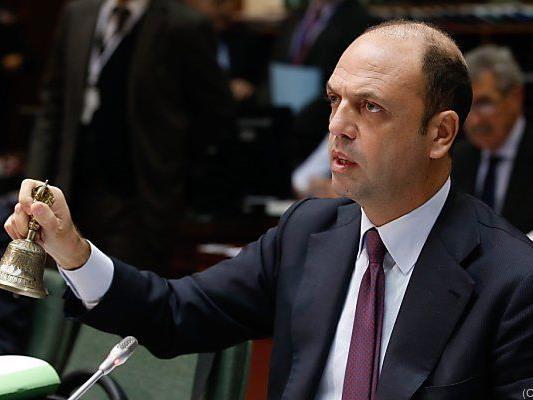 Innenminister Angelino Alfano begrüßte Festnahme