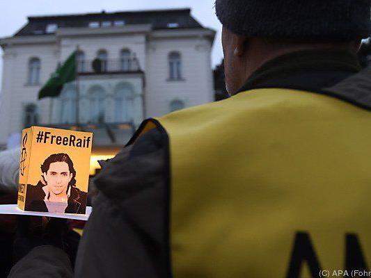 Kundgebung von Amnesty International initiiert
