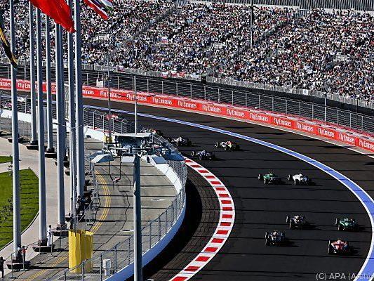 Start des Russland-Grand-Prix in Sotschi 2014