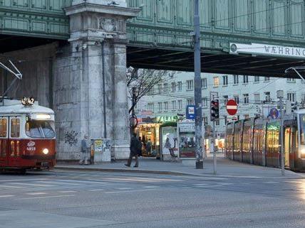 Linie 41 entgleist: Gürtel musste vorübergehend gesperrt werden