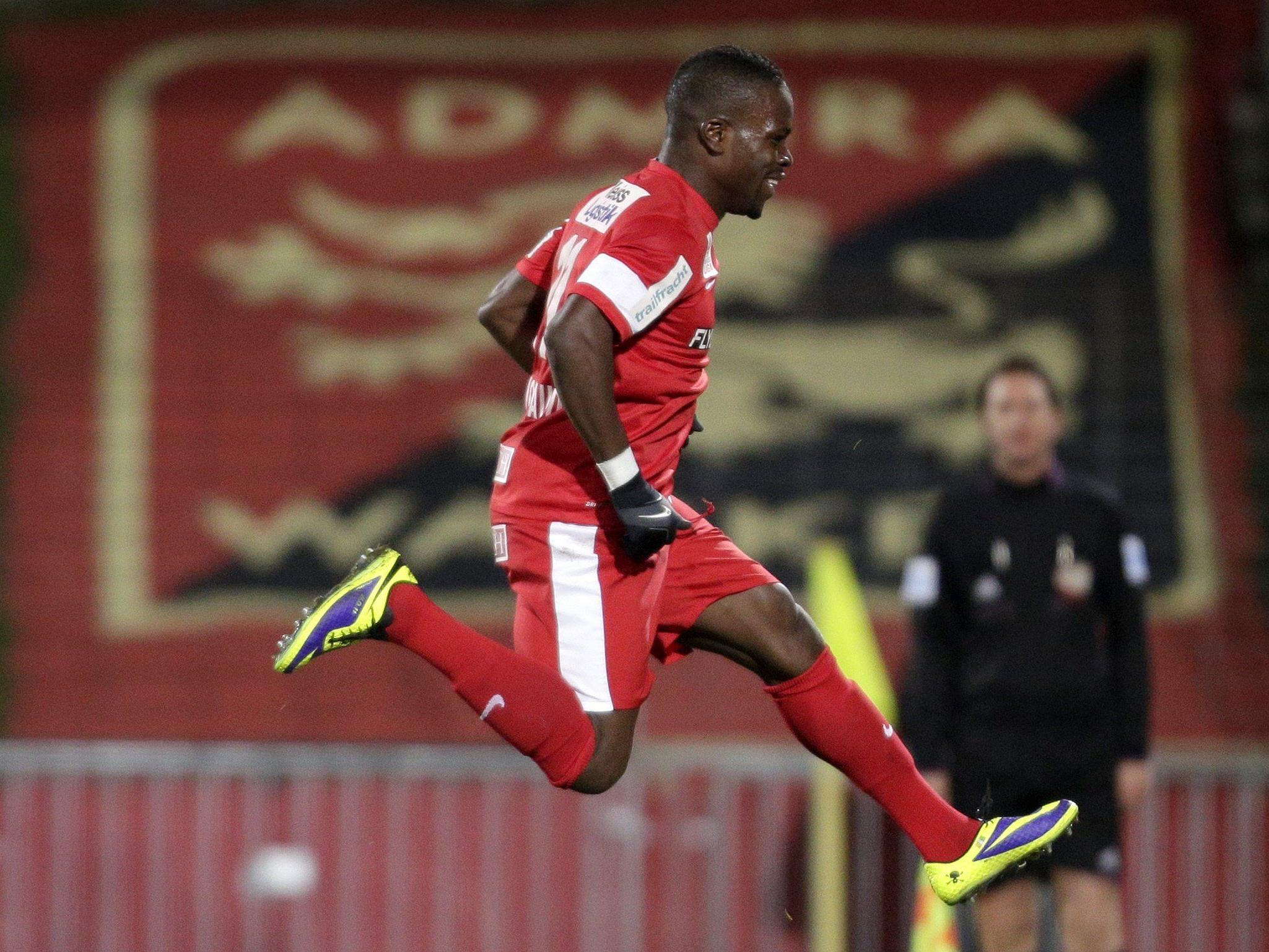 Wilfried Domoraud wechselt von Admira Wacker Mödling zu AC Arles-Avignon.