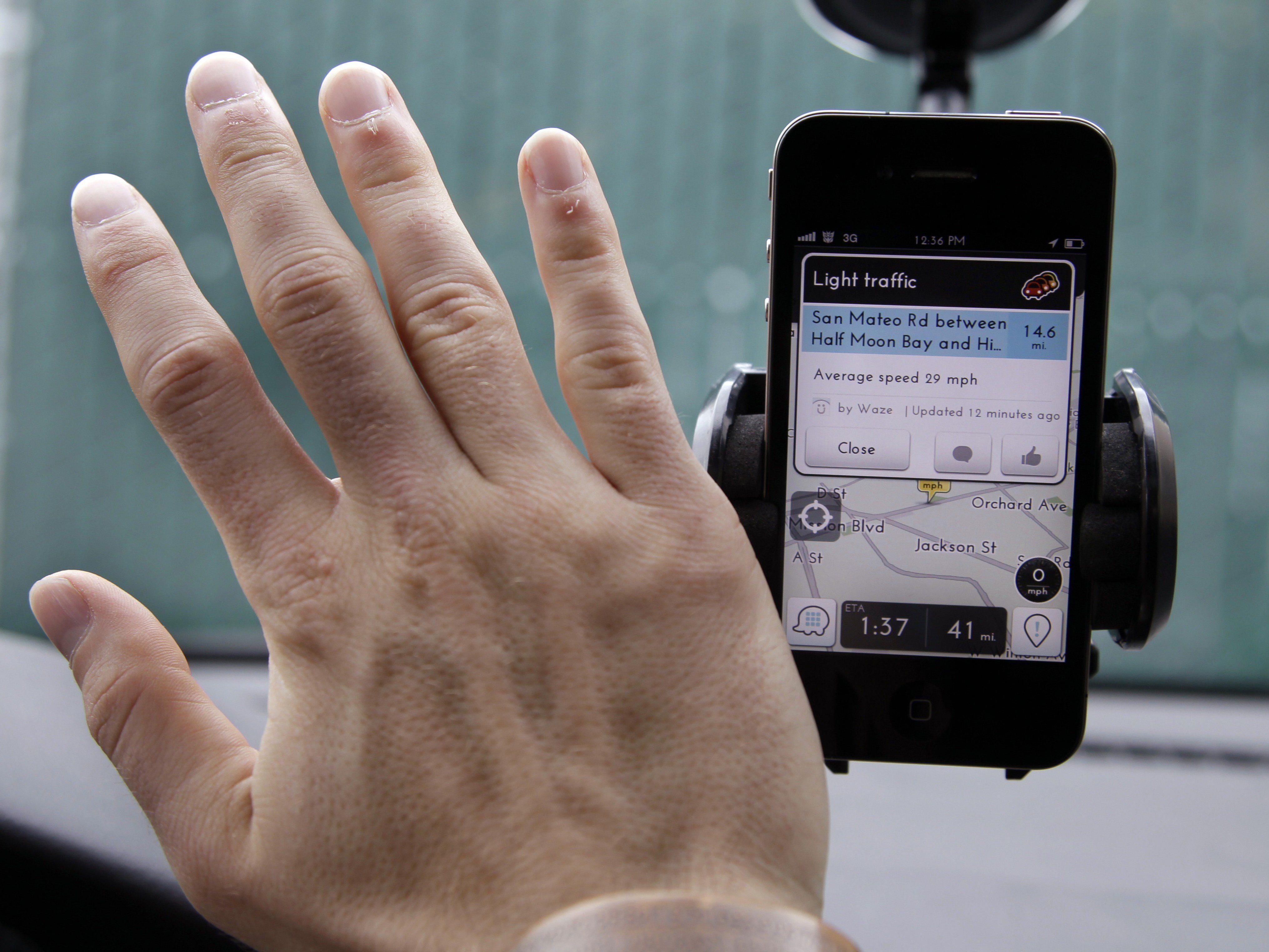 Für die Beamten sei die Google-Verkehrs-App Waze eine Gefahr.