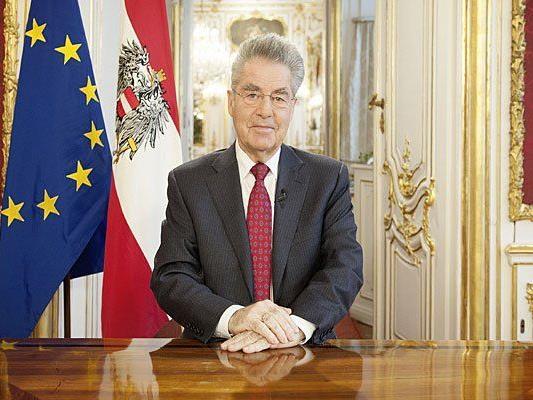Bundespräsident Heinz Fischer bei der TV-Aufzeichnung der Neujahrsansprache 2015