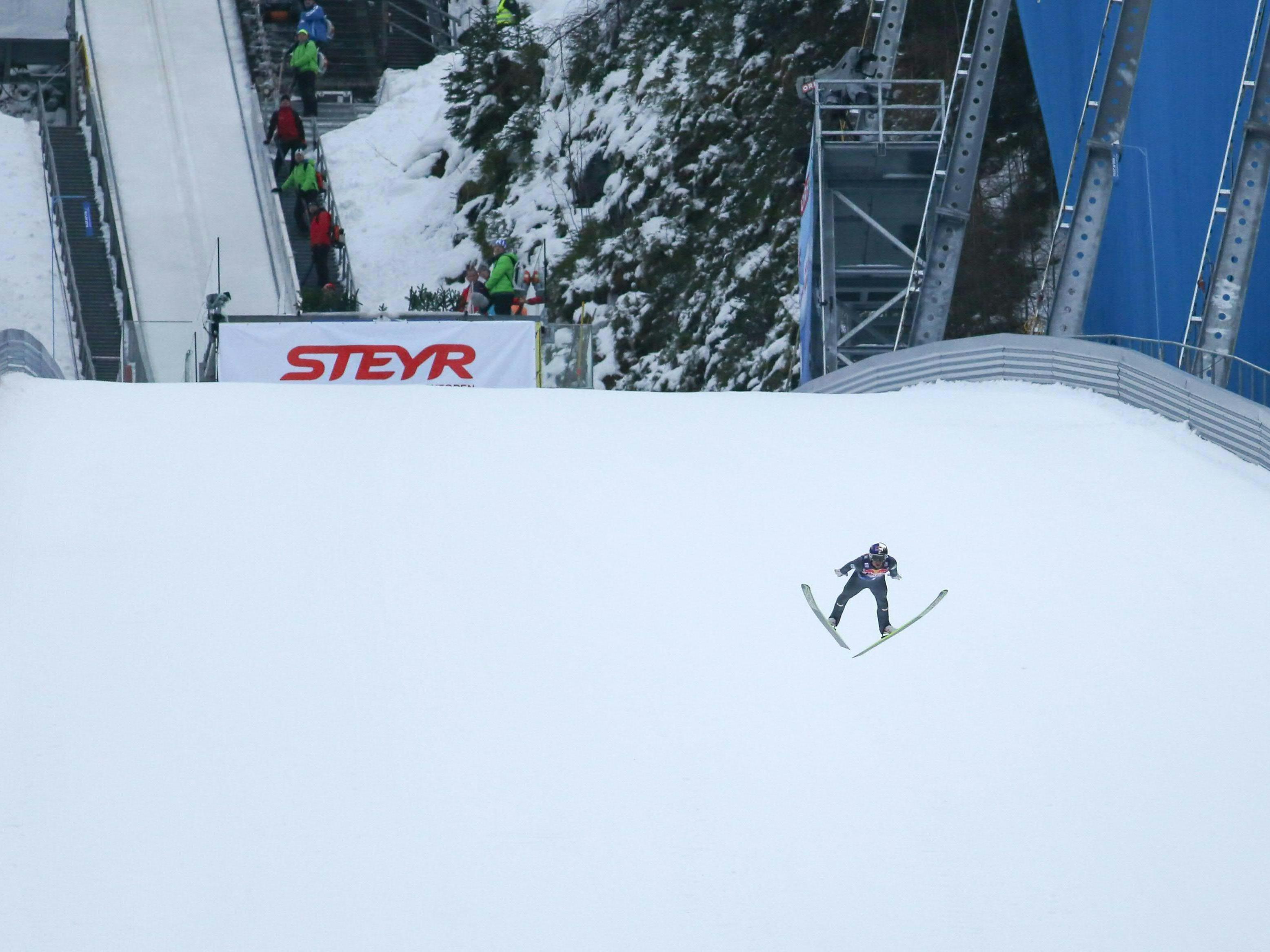 Ex-Weltmeister Schlierenzauer absolvierte Siccherheitssprung auf 190 Meter.