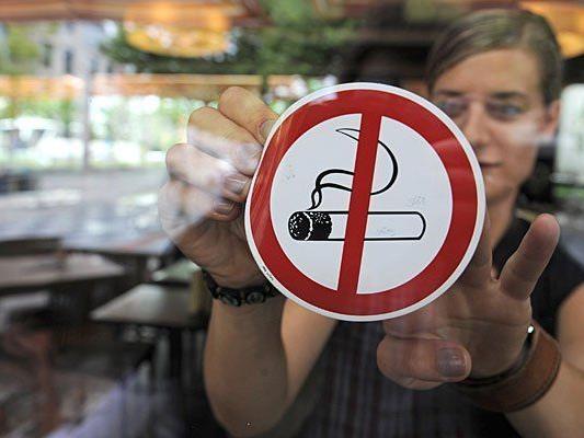 Rauchverbot in Gastronomie - Grüne präsentierten Modell