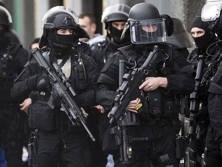 Die französiche Polizei nahm fünf Personen fest - aber keinen Österreicher