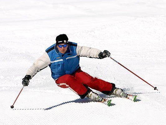 Ein 15-jähriger stürzte beim Skifahren in der Steiermark schwer