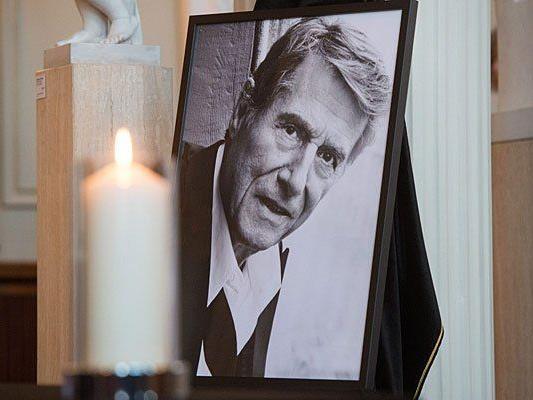 In Berlin lag das Kondolenzbuch für Udo Jürgens auf