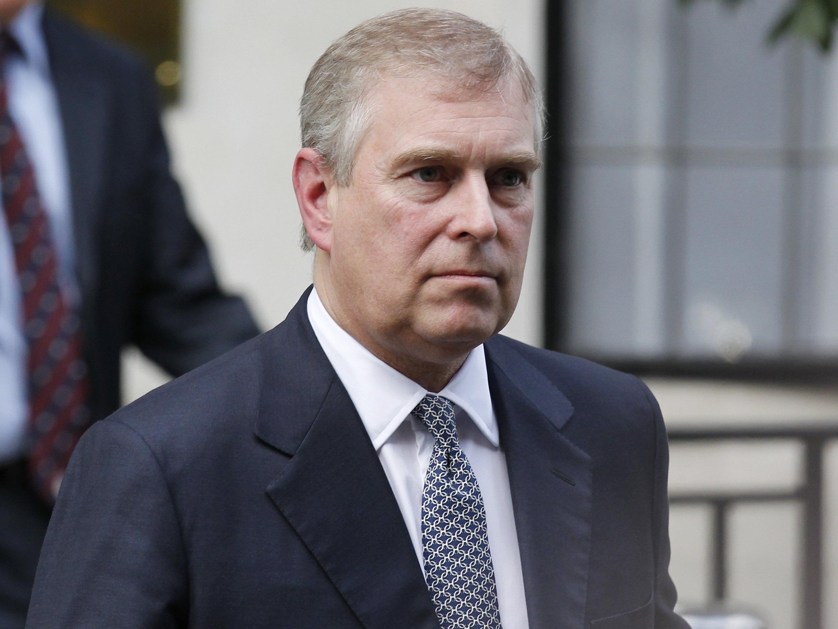 Klägerin in Sexsklavin-Prozess wirft Prinz Missbrauch vor.