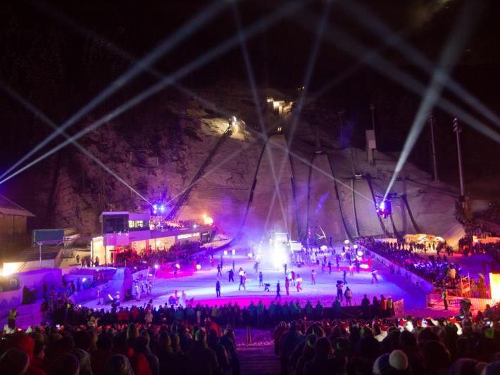 Feierliche Eröffnung der Olympischen Jugendspiele im Montafon Nordic Zenturm in Tschagguns.