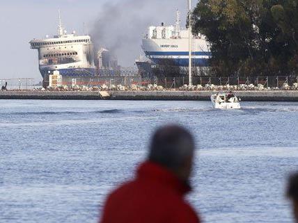"""Nach dem Brand auf der Fähre """"Norman Atlantic"""" ist eine Sammelklage geplant."""
