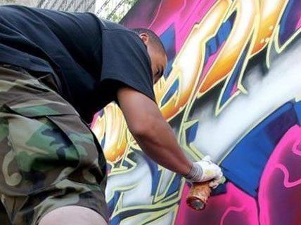 Mehrere Graffiti-Sprayer wurden bei einer U1-Station erwischt