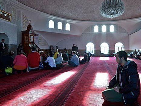 Muslime in Wien positionieren sich gegen den Terror.