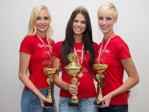Victoria Belicka (3. Platz), Amajla Omanovic (1. Platz) uns Sarah-Maria Pils (2. Platz)