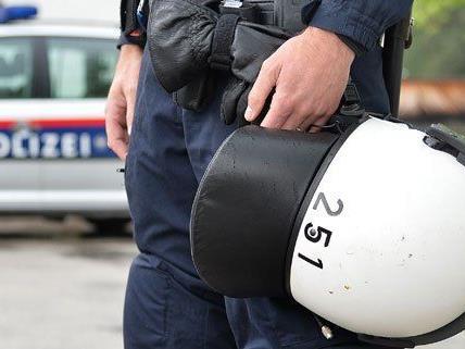 Zwei Polizeieinsätze wegen Bombendrohungen gab es am Dienstag in Wien.