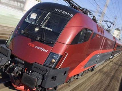 Schnellzug nach Wien bei St. Veit entgleist - Niemand verletzt