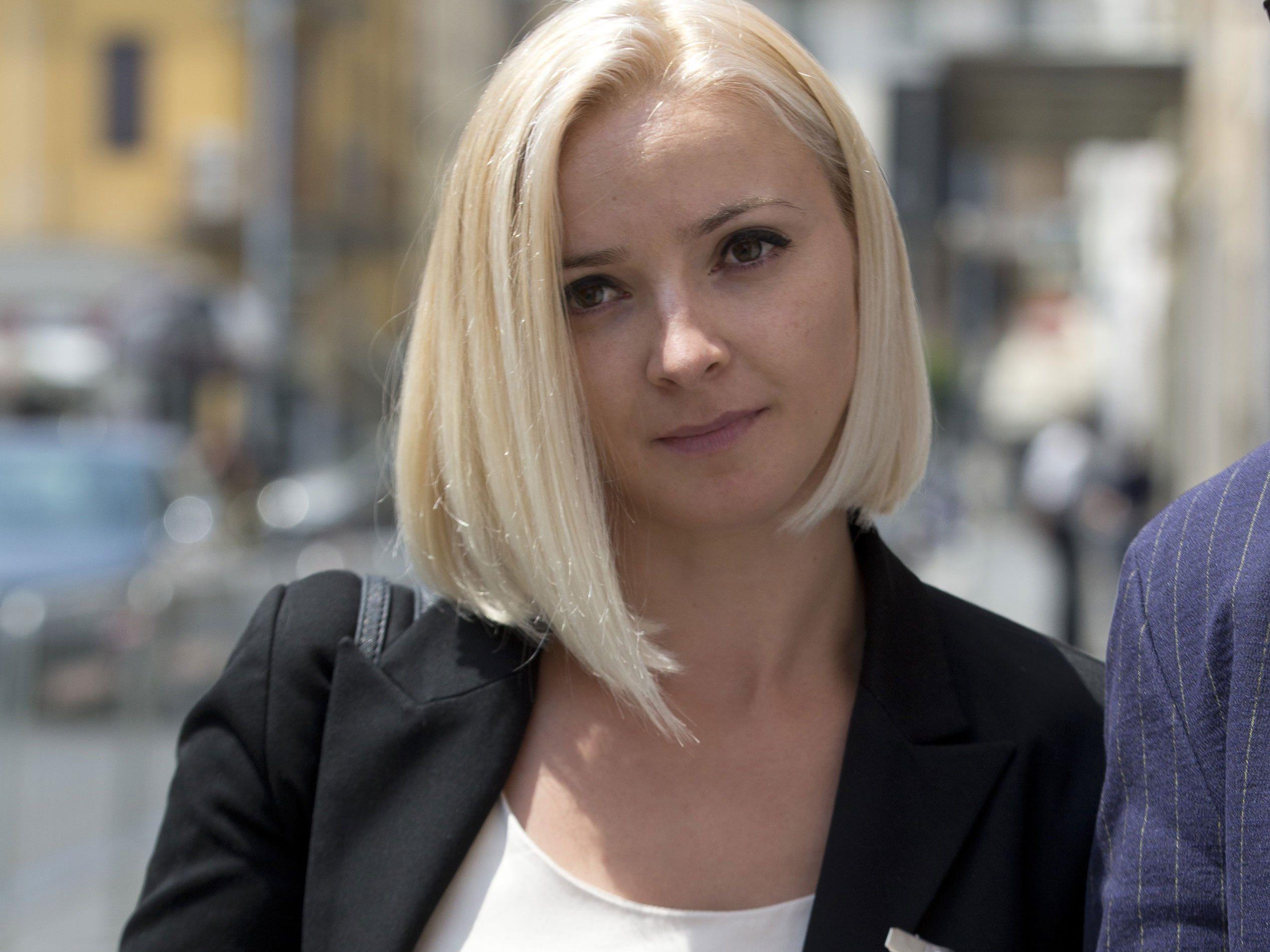 """Domnica Tschemortan habe einen doppelten Schaden als Passagierin und wegen des """"Medienangriffes"""" erlitten."""