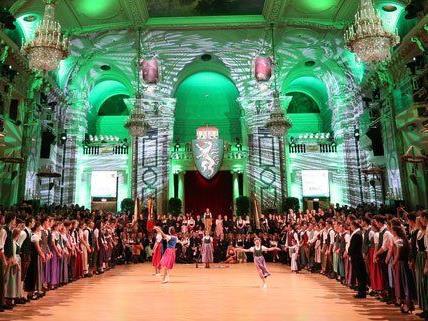 3.000 Gäste waren am Steirerball in der Wiener Hofburg.