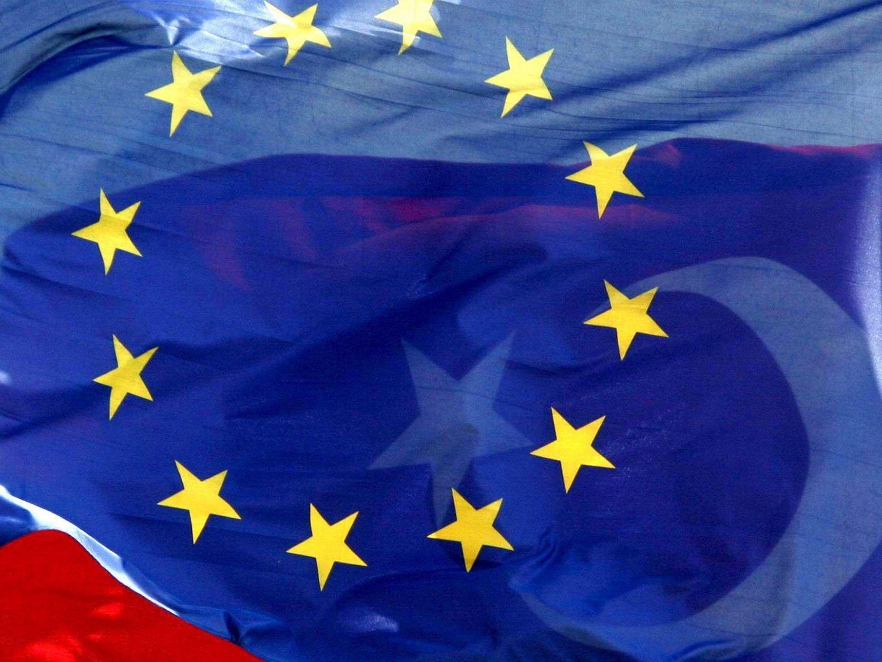 Davutoglu: Mit der Ablehnung der türkischen EU-Bewerbung werde in Europa Politik betrieben.