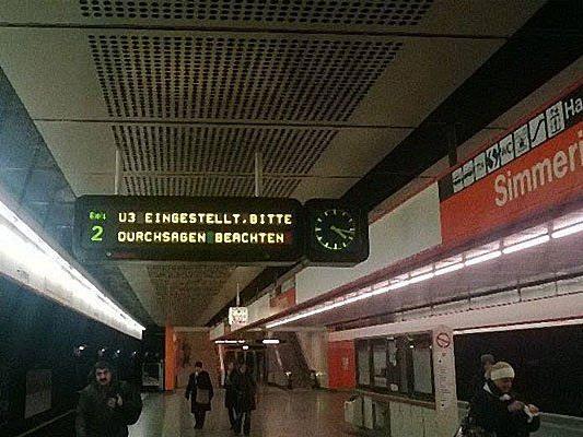 """Der Stationswart hatte in der Station """"Simmering"""" Rauchgeruch wahrgenommen."""