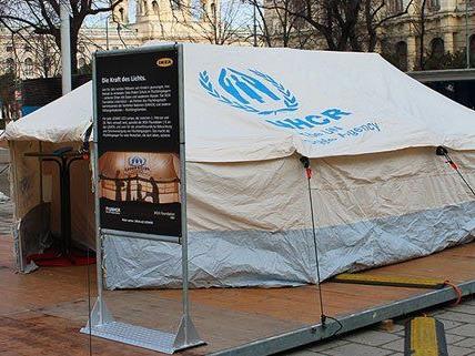 Bis zum 1. Februar kann man dieses Flüchtlingszelt auf der MaHü besuchen.
