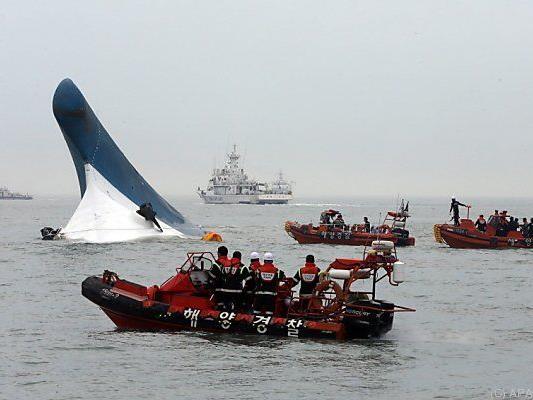 Bei dem Unglück kamen etwa 300 Menschen ums Leben