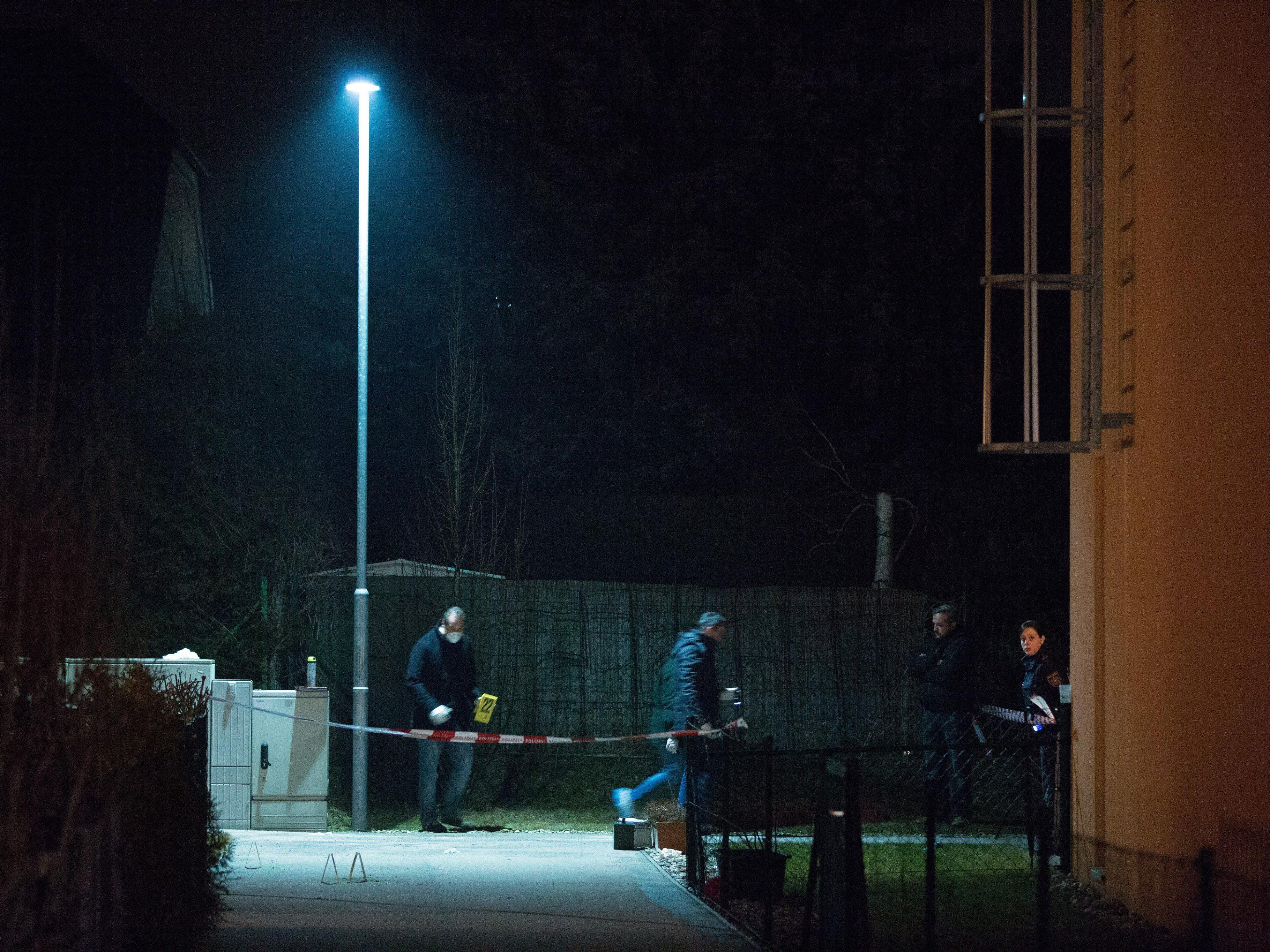 Bilder vom Tatort nach dem Schusswechsel in Wien-Floridsdorf.