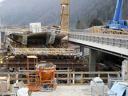 Die eingestürzte Brücke des Neubaues der S35 in Frohnleiten