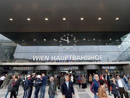 Mit der Einhaltung der planmäßigen Stops am Wiener Hauotbahnhof klappt es noch nicht ganz