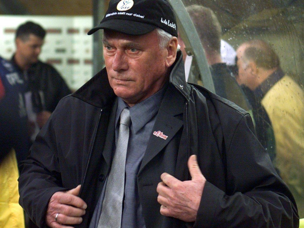 Udo Lattek im Jahr 2000 als Trainer von Borussia Dortmund.