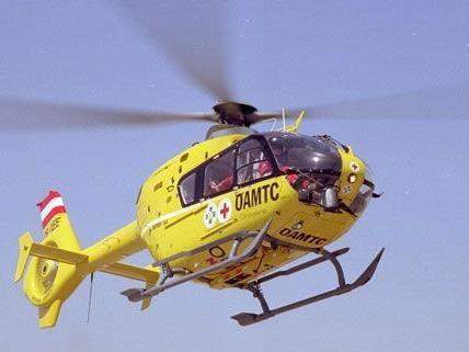 """Das Unfallopfer wurde mit dem """"Christophorus""""-Hubschrauber ins Spital geflogen"""