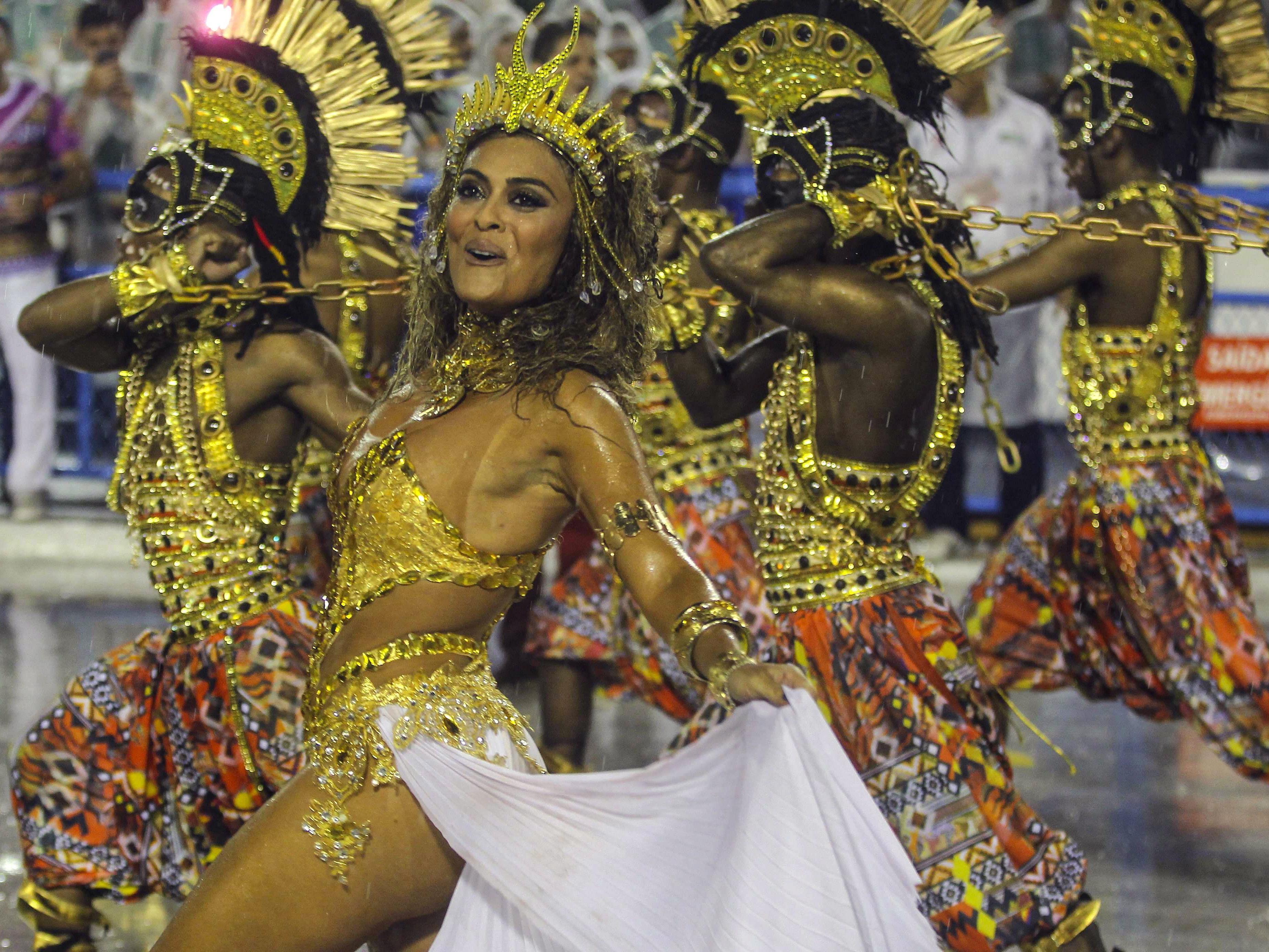 Rios Straßenkarneval erreicht Höhepunkt