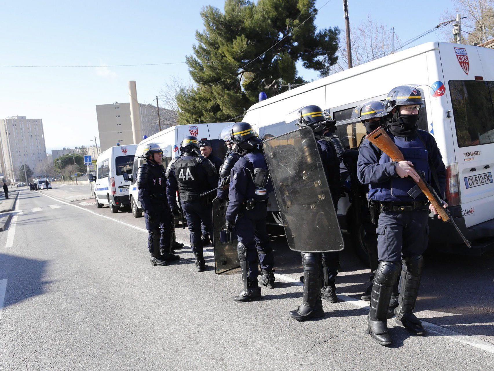 Vermummte schossen auf Polizei in Marseille - niemand verletzt