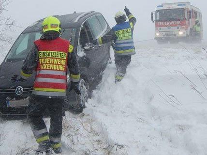 Zahlreiche Unfälle passierten am Montag rund im Wien.