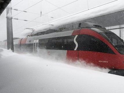 Zahlreiche Zugausfälle und Verspätungen in und rund um Wien.